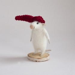 Myszka w czerwonej czapce -...